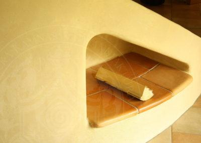 kachlova-kamna-pod-schody
