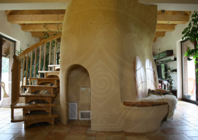 kachlova-kamna-pod-schody-6