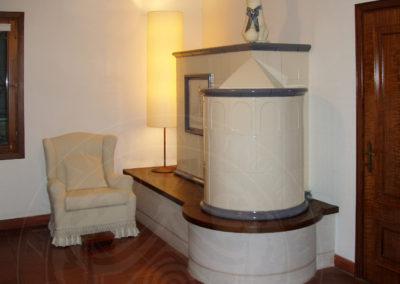 Kachlová kamna ve staré vile