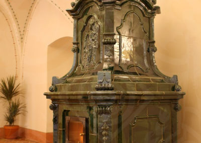 replika-baroknich-kachlovych-kamen